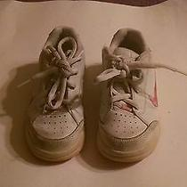 (1) Pair Nike Girls Athletic Shoes - Size 11.5cw - White & Pink Photo