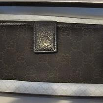 100% Authentic Women Gucci Bifold Wallet Photo