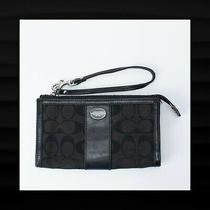 138 Coach Black Legacy Signature & Leather Zippy Wristlet Clutch Wallet Bag Photo