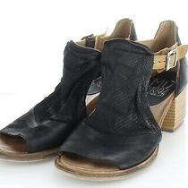 18-23 160 Women's Sz 38 M Miz Mooz Campbell Block Heel Sandal in Black  Photo