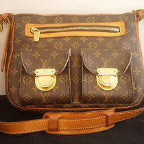 1840  Louis Vuitton Hudson Gm Monogram Canvas / Leather Handbag Purse Bag Photo