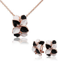 18k Rose Gold Gp Balck and White Petals Entiching Necklaceearrings Set S326 Photo