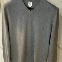 (2) Gap v Neck Sweaters Gray (M) Photo