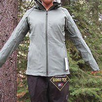 2014 Burton Ak Roll Softshell Snowboard Jacket  Womens Medium Willow Photo