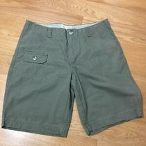402--  Columbia Womens Light Green Shorts Size 8--- Photo