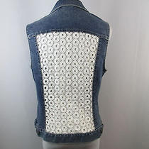 A39 Two Vince Camuto Womens Sz M Medium Wash White Crochet Eyelet Denim Vest Top Photo