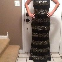 Abs Black and Gold Gown Photo