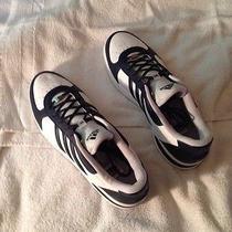 Adidas Mi Sneakers Photo