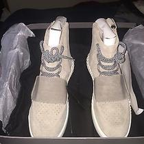 Adidas Yeezy 750 Boost Size 9 Authentic. Adidas 350 Boost (Grey) Photo