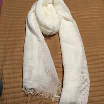 Aeropostale Woman White Scarf Photo