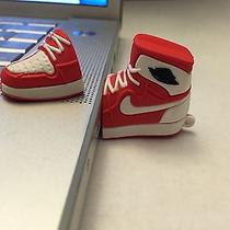 Air Jordan 1 Exclusive Blake Griffin Pe White and Red 16gb Usb Photo