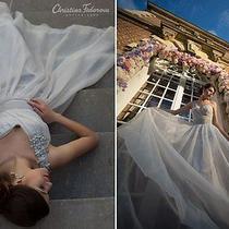Amazing Wedding Dress by Vera Wang. Absolutely New Photo