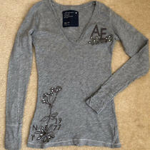 American Eagle Gray v-Neck Top Size Xs Sparkle Sequence Design So Cute Photo