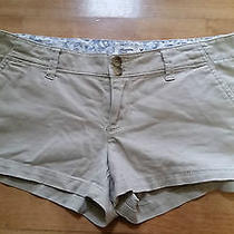 American Eagle Outfitters....women's/junior's Shorts.  Sz. 6.khaki Color. Nice Photo