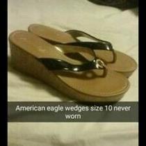 American Eagle Womens Wedge Sandals Black Thong W/gold Ring Sz 10 Photo