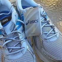 Asics Shoes Gel Strike 3 Photo