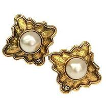 Auth Chanel Pearl Earring Metal Gold (Bf055611) Photo