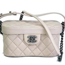Auth Chanel Vanity With Chain Lamb Skin Ivory(bf064523) Photo