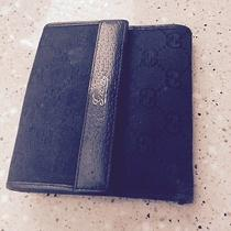 Authenic Gucci Black Wallet  Photo