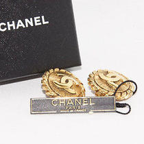 Authentic Chanel Coco Mark Goldtone Earring Made in France From Japan Photo