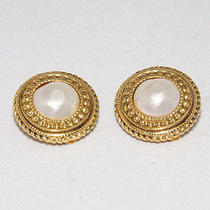 Authentic Chanel Goldtone Pearl Earring Made in France From Japan Photo