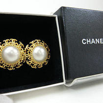 Authentic Chanel Vintage Clip on Earrings Gold Plated Fake Pearl From Japan Photo