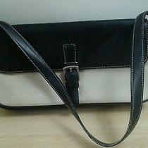 Authentic Coach 7702 Beige/black Canvas & Leather Hampton Shoulder Bag  Photo