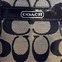 Authentic Coach  Black Wallet Wristlet Holds Iphone 5s Zip Around  Photo