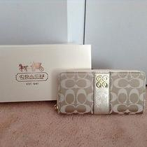Authentic Coach Wallet With Gift Box Photo