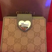 Authentic Gucci Leather Wallet Photo