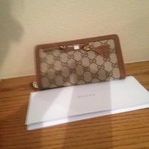 Authentic Gucci Wallet Brand New Photo
