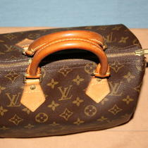  Authentic Louis Vuitton Monogram Speedy 25  Photo