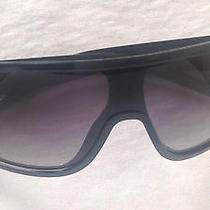 Authentic Unisex Gucci Sunglasses Photo