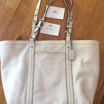Authentic White Coach Medium Size Tote Zippered Handbag  Photo