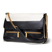 Avon Classic Versatile Bag Photo
