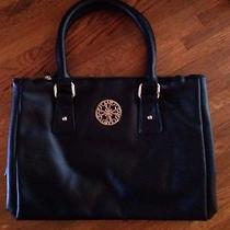 Avon Signature Collection Sabrina Handbag Photo