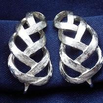 Avon Signed Vintage 1980's Silver Leaf Design Earrings Chic Glamour 70s 80s Photo