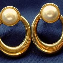 Avon Signed Vintage 1980's Simple Chic Gold  Pearl Earrings Pierced 70s 80s Photo