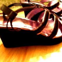 Avon Strappy Lite Weight Sandal New With Free Gift Photo