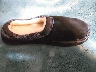 Avon Unisex Slipper Medium 7 8 Black Plaid Memory Foam NEW  Photo