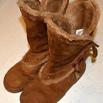 Avon Women's Toasty Warm Lined Suede Boots Size 6 Photo