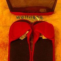 Avon Women's Wellness Magnetic Therapy Slippers and Carry Bag - Size 10/11 Photo