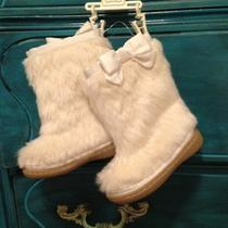 Baby Gap Girls Ivory Faux Fur Bow Boots New  Size 6 Photo