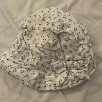 Baby Gap Infant Hat Sz 6-12 Months  White With Small Blue Flowers  Photo