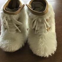 Baby Gap  White Fur Boots 6-12m  Side Closure Photo