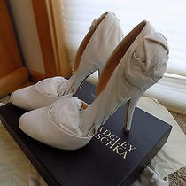 Bagley Mischka White Lilly Heels Size 8.5 Photo