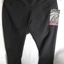 Bally Total Fitness Slim Fit Performance Capri Leggings  Black S Photo