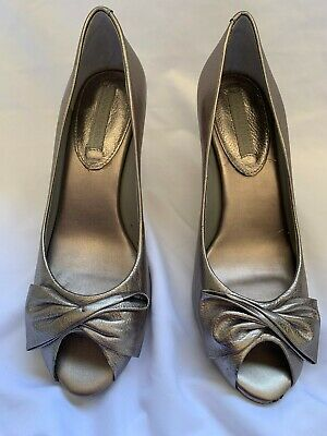Banana Republic open toed sandals metallic gold blush colored heels size 9 Photo