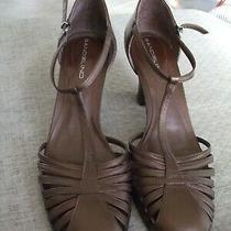 Bandolino Bronze Leather T-Strap Pump W/stacked Heel Size 8 Photo