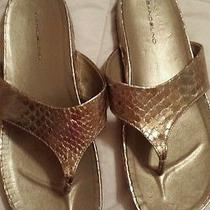 Bandolino Gold Flats Sandals Flip Flops Piano Size 9 Photo